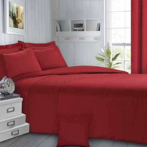 RED COLOUR QUILTED GEOMETRIC STYLISH LUXURY DUVET COVER BEAUTIFUL BEDDING